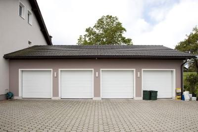 Ein-/Mehrfamilienhaus Garagen