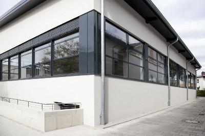 Sporthalle Fensterfront